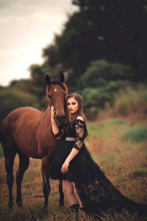 buy Instagram comments horse