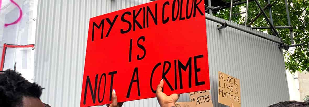 USING SOCIAL MEDIA TO BETTER UNDERSTAND THE DEBATE ON RACISM