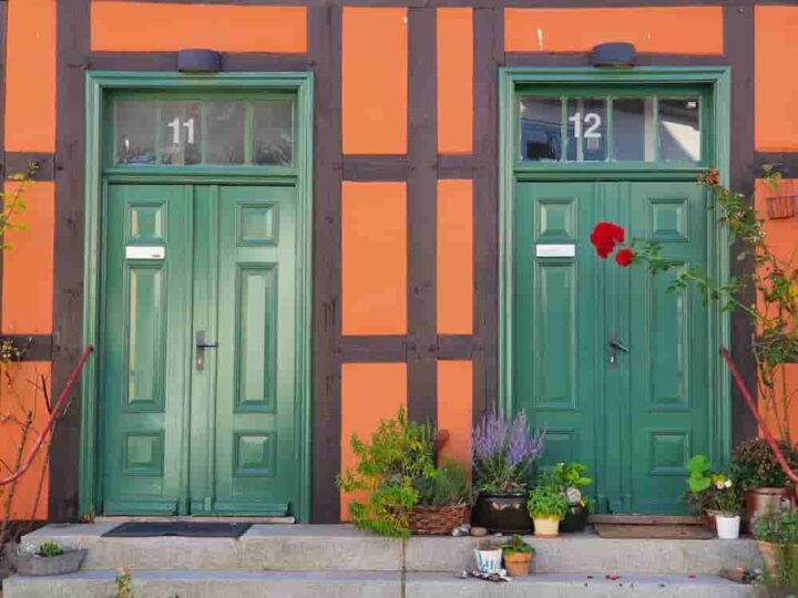 Some easy ways of finding people that teach you how to find your neighbors on Instagram
